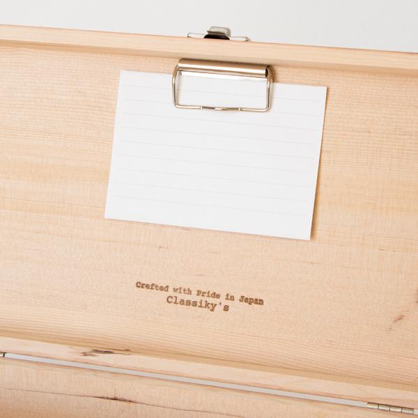 メモや写真などを挟める蓋裏クリップ