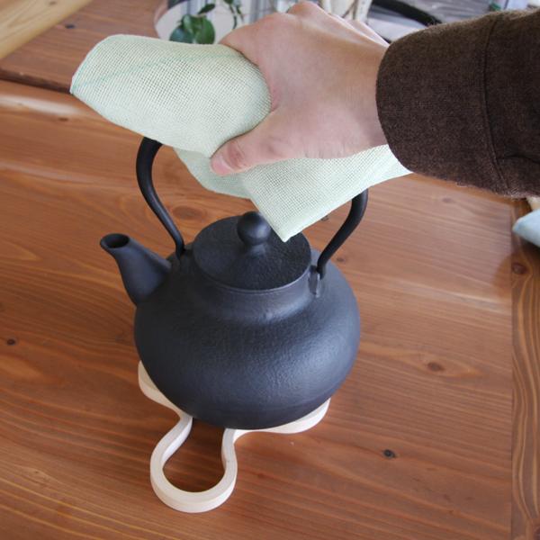 大判なので熱い鍋の鍋つかみに