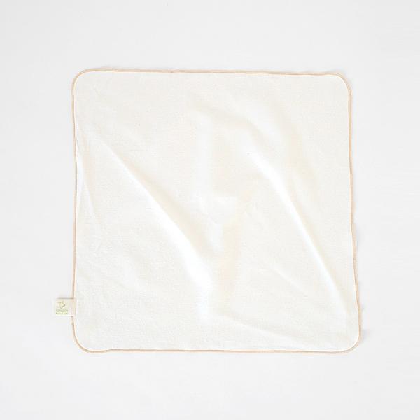 ふわふわのタオルが付属(ベビースリーピングマット)