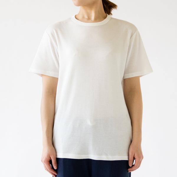 WHITE (着用サイズ:L、モデル身長:162cm)