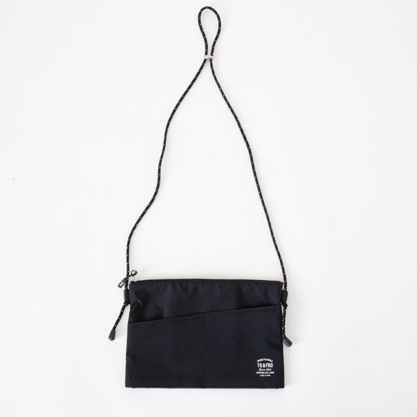 PACKABLE POUCH SQUARE ブラック