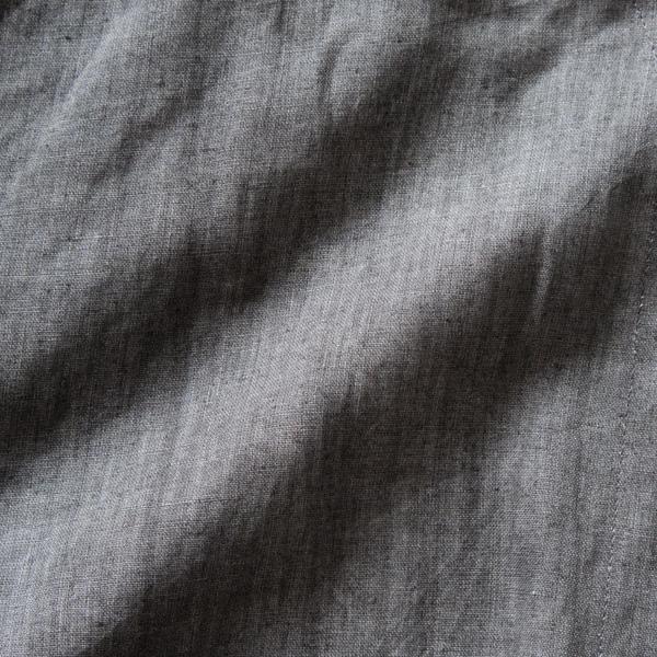 伝統的な墨染のジャケット