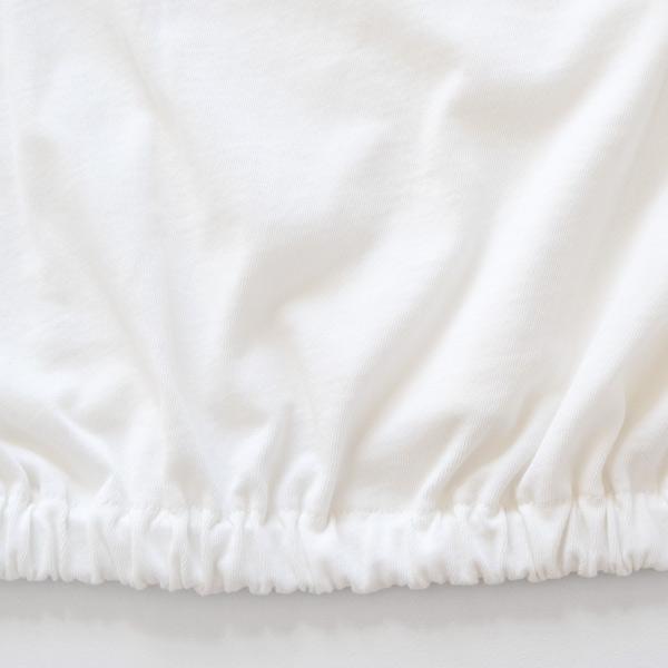 裾のゴムがふんわりとしたシルエットを作ります