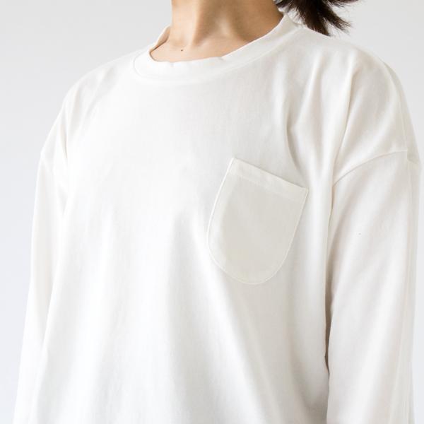 デザインのポイントにもなる胸ポケット