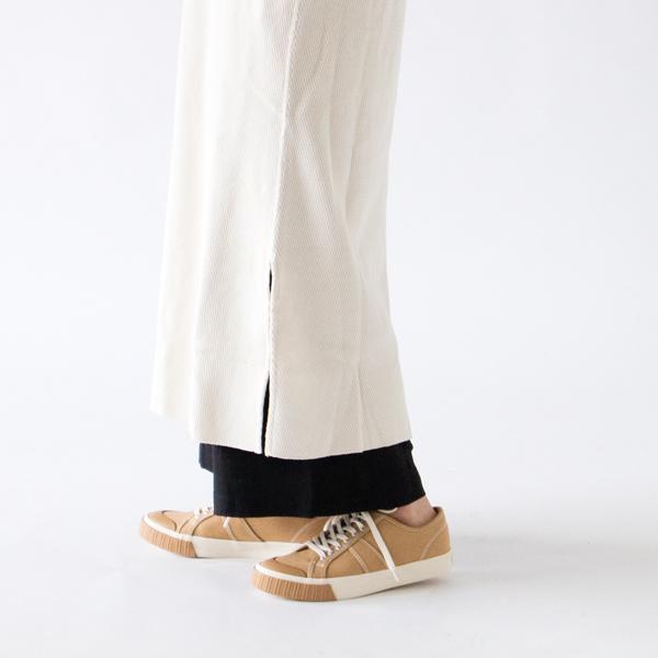 ロング丈アイテムとの重ね着におすすめ(モデル身長:162cm)