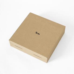 箱(商品の入荷時期によってパッケージの仕様が異なる場合がございます)