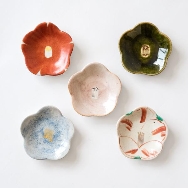 絵柄の異なる小皿5枚セット