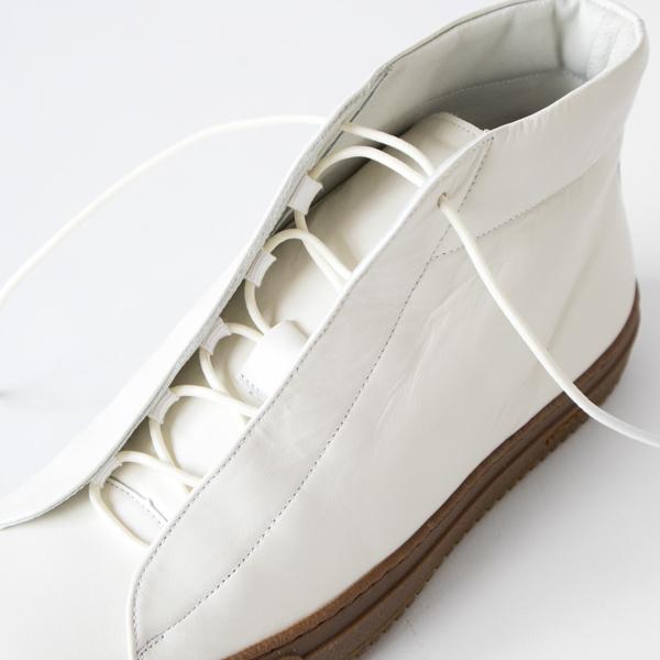 靴紐はゴム