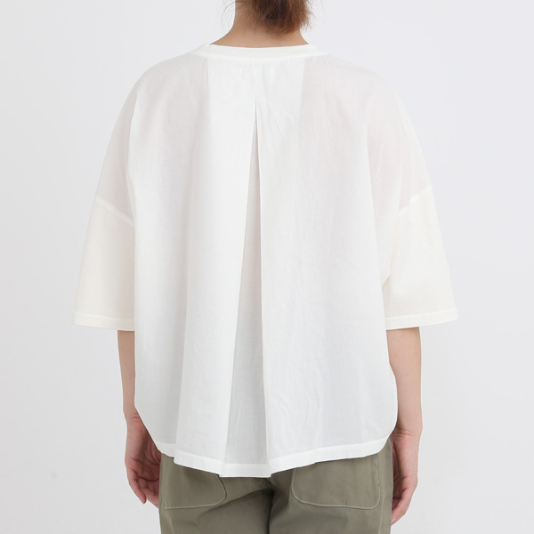 ホワイト(モデル身長:163cm)