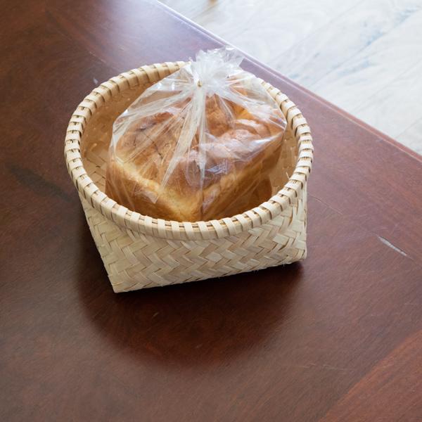 パンの収納に
