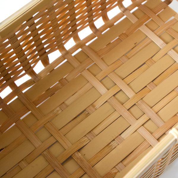 内側(天然素材を使った職人手作りの為、一つ一つの形・風合い・色味が若干異なります)