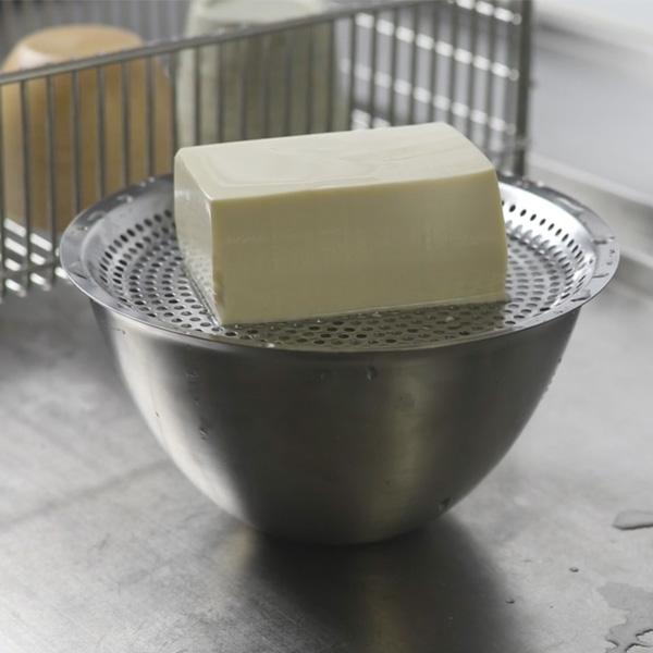 お豆腐の水切りにも
