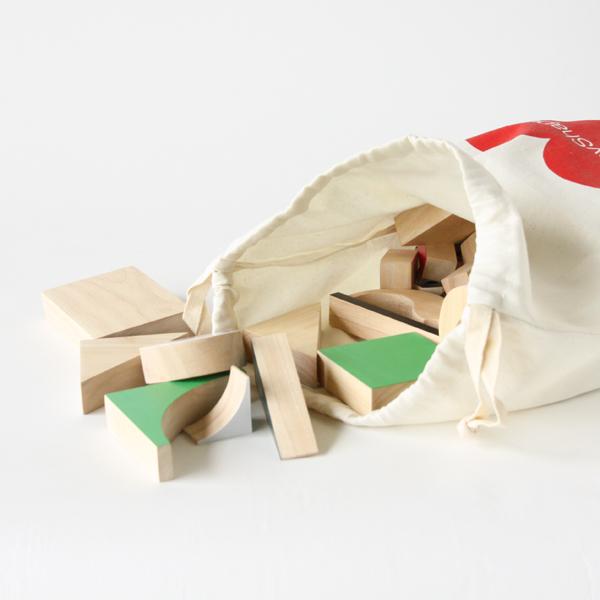 木製ピースは収納袋に入れてご使用できます