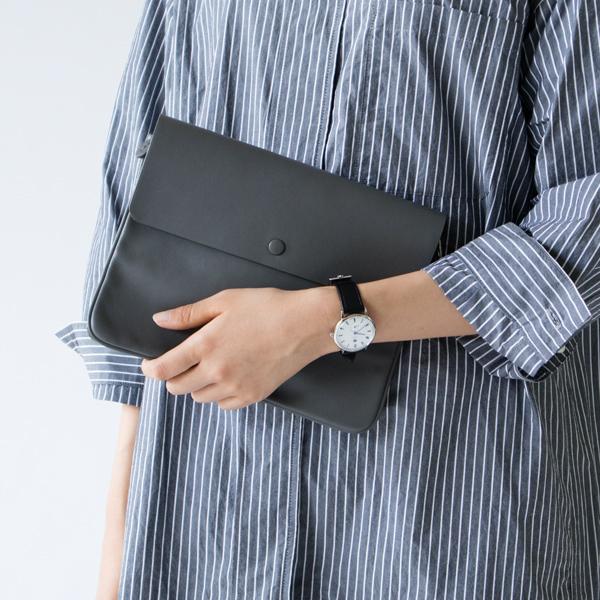 女性着用イメージ(32mm WHITE-BLACK)