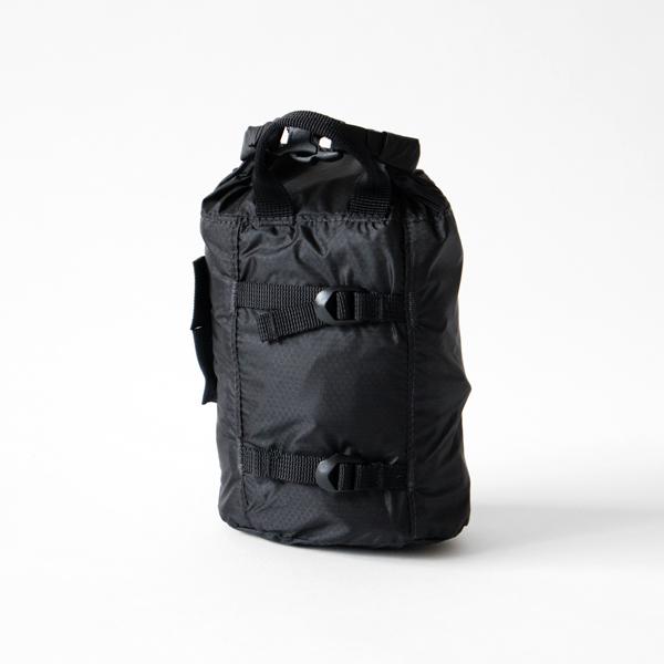 バッグと同じロールトップタイプの収納袋
