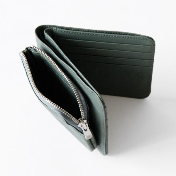 外側にコインスペースがついた2つ折りタイプのお財布