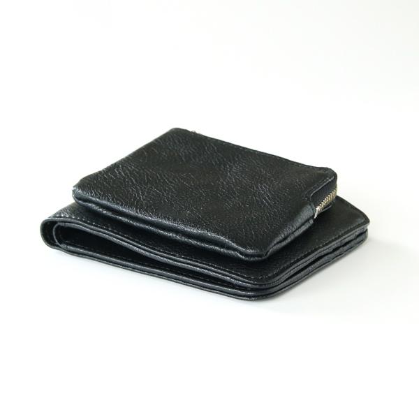 外ポケット型のため、コインが増えても膨らんで開いてしまうことがありません
