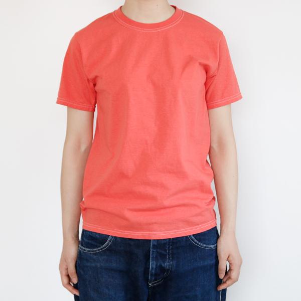 フルーツ染めTシャツ ストロベリーモデル身長:163cm、Sサイズ着用